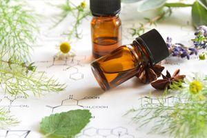 huiles-essentielles-problemes-digestifs-maux-ventre